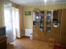 Продаётся 2/3 доли в 1-комнатной квартире в г. Нязепетровске по ул. Ленина 35.