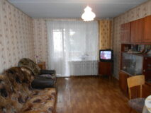 Продается 2-х комнатная квартира в г. Нязепетровске по ул. Щербакова 13.
