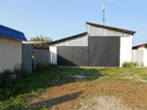Продается земельный участок с капитальным гаражом в г. Нязепетровске по ул. Кутузова.
