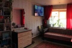 Продаётся кирпичный дом-квартира в г. Нязепетровске по ул. Ленина 129.