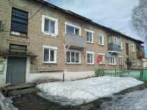 Продается 2 комнатная квартира, Челябинская область, Верхний Уфалей, п. Строителей 8